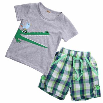 Gator Plaid Shorts Outfit