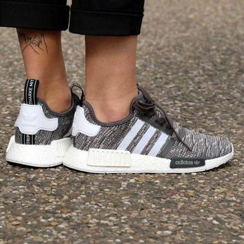 LMFUX5 Adidas WMNS NMD R1 Utility Black/Footwear White/Medium Grey Boost Sport Running Shoes Classic Casual Shoes Sneakers