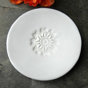 Mandala Ring Holder, White Lace Ceramic Wedding Ring Dish,  Flower Round Plate, Snow White Pottery, Tulip Mandala Trinket Dish, Gift for Her
