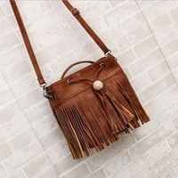 HOBO Crossbody Lots of Fringe Lots OF Interior Compartments   Drawstring Messenger Bag  BROWN