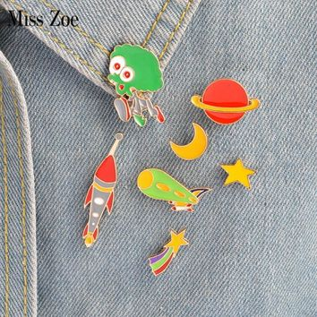 Trendy Miss Zoe 8pcs/set Star Moon Alien Telescope Spaceship Planet Brooch Button Pins Denim Jacket Pin Badge Astronomy Jewelry Gift AT_94_13