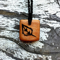Natural Wooden Leaf Pendant Necklace | The Climbing Stone