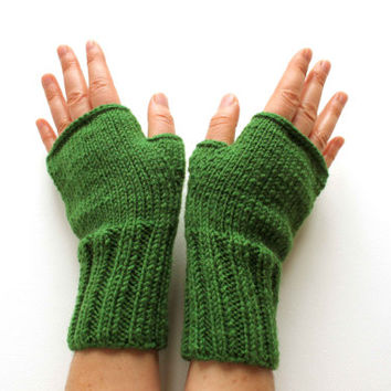 Arm Warmer Glove / Autumn Trends /  Hand knit Fingerless Gloves  /  Green