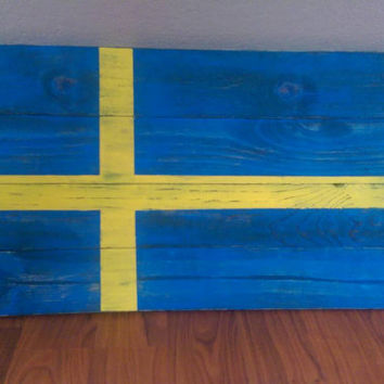 Rustic Swedish Flag Sign - Wood Pallet Outdoor Decor