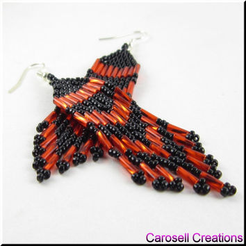 Pretty Classic Native American Style Beadwork Seed Bead Earrings in Red and Black