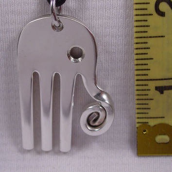 A Spoon Rings Plus Beautiful Fork Elephant Necklace Pendant on a Black Cord e19