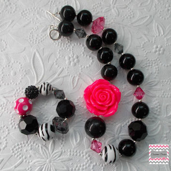 Shocking Pink and Black Chunky Necklace / Bubblegum Bracelet and Necklace Set / Girls Necklace / Baby Photo Prop / Ready to Ship