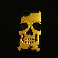 Apple iPhone 5/5s Gold Metal Skull Case