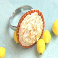 Lemon Meringue Pie Ring