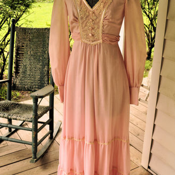 1970s Vintage Boho Bubble Gum Pink Dress Made in the USA Size XS