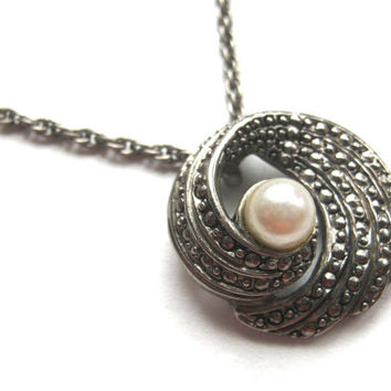 Vintage AVON Pendant Necklace, Faux Marcasite & Pearl Necklace, Victorian Revival Necklace, Silver Tone Circle Pendant, Vintage Avon Jewelry