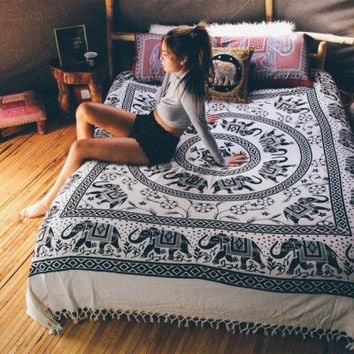 MANDALA Hippy boho YOGA meditation Mandala Tapestry Wall Hanging Throw Cotton Queen Bedspread Beach Spread Bed Spread Picnic Spread