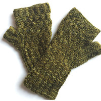 Claire Outlander Green Oak Fingerless Gloves  Lace Lacy Mitts steampunk Texting Diana Gabaldon FREE SHIPPING