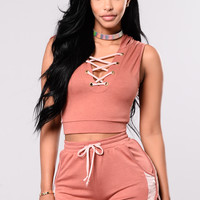 Peep The Detail Top - Mauve/Blush