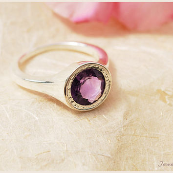 CHRISTMAS SALE. amethyst ring. engagement ring. purple gemstone ring. large gemstone ring. sterling silver ring. february ring