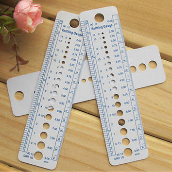 1 x Plastic Knitting Needle Size Gauge Ruler Weaving Tools- Inches/CM 2015 NewHU