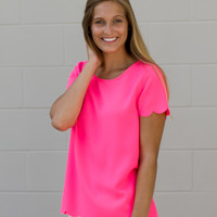 Right Move Scallop Top - Neon Pink