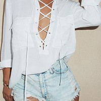 Mon Cheri White Long Sleeve V Neck Crisscross Lace Up Two Pocket Blouse