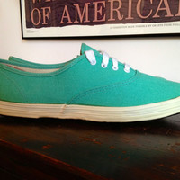 Rare Vintage 1960s Keds Oxford Hospital Green with Black Sole Pointy Toe Wm Size 8 Like New