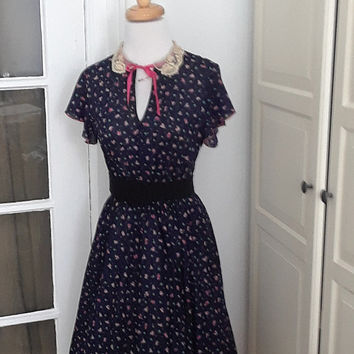 Vintage Full Skirt Swing Dress, Navy Floral, 40s 70s, Lace Collar, Full Sweep, Size Medium, 36B