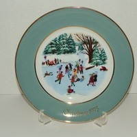 Enoch Wedgwood Avon Collectible Chirstmas Plate 1975 Skaters on the Pond Vintage Wall Decor