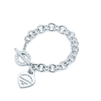 Tiffany & Co. - Return to Tiffany™ Heart Tag Toggle Bracelet in sterling silver.