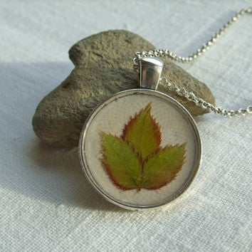 Real leaf necklace - Tiny briar leaves - Pressed rose leaf jewelry - Nature inspired - Green and white - Botanical pendant - Round silver