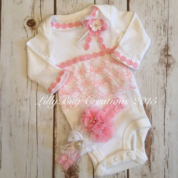 Newborn Outfit, Baby BodySuit,Pink, Newborn Bodysuit, Baby Headband, Vintage Style, Lace, Shabby Style, Baby Gift, Photo Shoot