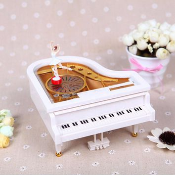 Mechanical Classical Ballerina Girl Dancing on the Piano Music Boxes Hand Crank Music Box To Alice caixa de musica