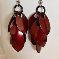 Burgundy shaggy scalemaille earrings