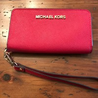 MICHAEL KORS RED LEATHER WRISTLET PHONE WALLET