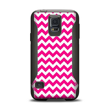 The Pink & White Chevron Pattern Samsung Galaxy S5 Otterbox Commuter Case Skin Set