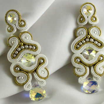 Long Elegant Soutache Earrings. Wedding Earrings for Bride. Unique Dangle Drop Earrings. Swarovski crystals drops, pearls. White and gold.