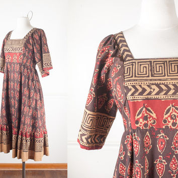 70s Bohemian Cotton Dress / Vintage 70s Peasant Dress / Boho Chic Midi Dress / Hippie Dress / Bib Dress / Festival Dress / Prairie Gypsy