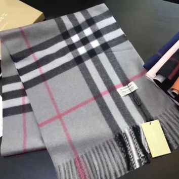 One-nice™ New!! Authentic Burberry 100% cashmere scarf !