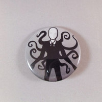 Slenderman Creepypasta Pin