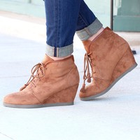 Madden Girl: Dallyy Wedge Suede Bootie {Tan}