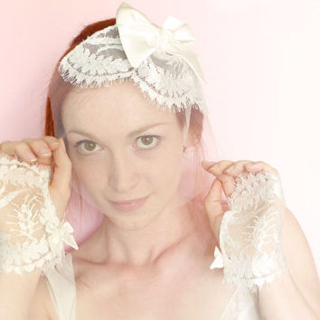 Off white bridal blusher French lace, tulle and silk bow OOAK by Jye, Hand-made in France