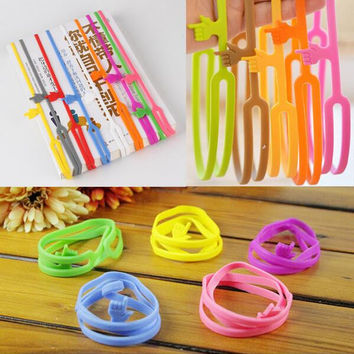 Hot Sale New Cute Silicone Finger Pointing Bookmark Book Mark Office Supply Funny Gift Drop