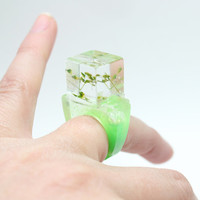 Green and Grass Resin Square Bobble Ring by zougeebean on Etsy