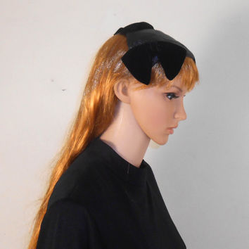 "Vintage Women's Black Macy's Hat - Small hat with Velvet  Bow Tie Pattern from the 1950s- 5"" x 5"" x 2 1/4"" - Free Shipping"