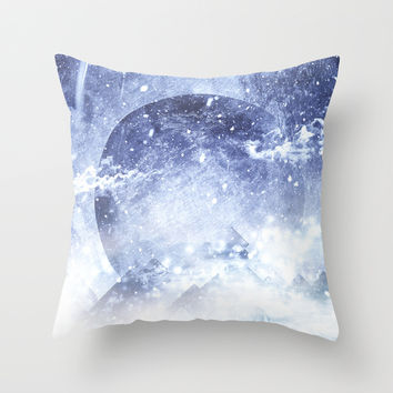 Even mountains get cold Throw Pillow by HappyMelvin