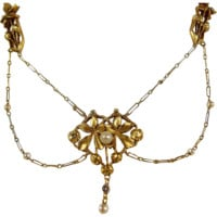 Stunning 1890s solid gold necklace, 18K stamped French delicate filigree festoon design chain, floral and pearl drop