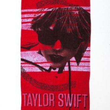 Red Glasses Beach Towel