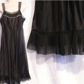 "Vintage Black Lace Nightgown Lingerie Bust 39"" Waist 34"""