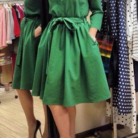 Vintage Green Long Sleeve Midi Dress with Belt