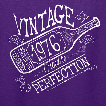 40th Birthday Gift For Men Women Vintage 1976 Aged To Perfection A Great Year Born in the Seventies T-shirt Grandmother Grandfather W-1976