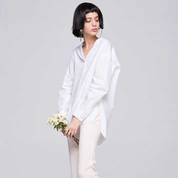 White Long-Sleeve Asymmetrical Shirt With Back Pocket