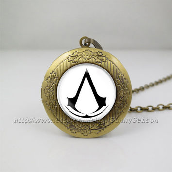 Assassins creed desmond altair ezio Locket necklace,game Photo locket necklace,Fans gift for Assassins creed