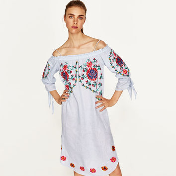 LINEN DRESS WITH FLOWERS EMBROIDERY